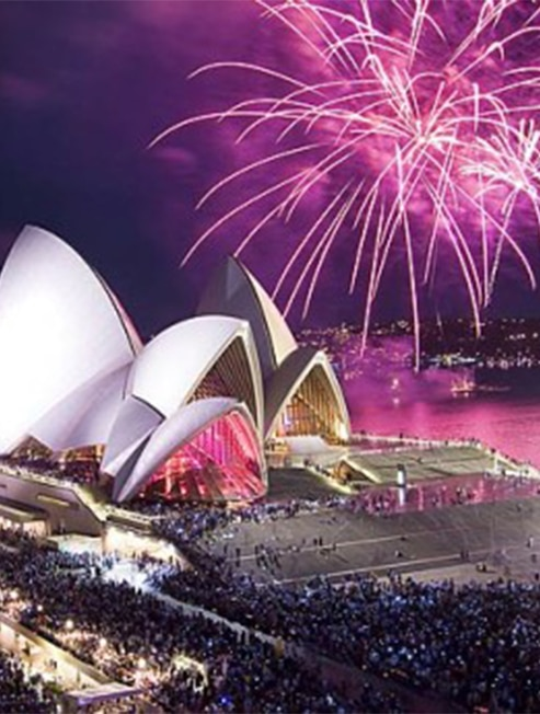 Fireworks above the Sydney Opera House on NYE
